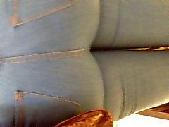 Super bunda enorme Milf de jeans