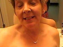 De Granny profiter hot fuck après avoir picoler