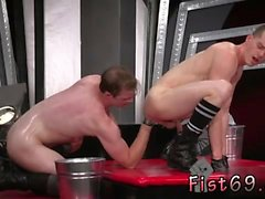 Gay twink foot fisted In an acrobatic 69, Axel Abysse catapu
