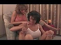 2 mature woman getting sex in motel texas p01