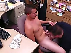 Pawnshop straight guy being dicksucked