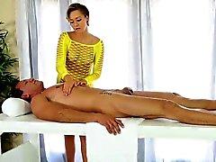 Sexy masseuse massieren abgemolken