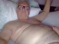 abuelo cum en la webcam