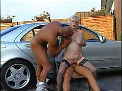 Maduro - Alemão Classy Grannies Im Auto Vernascht