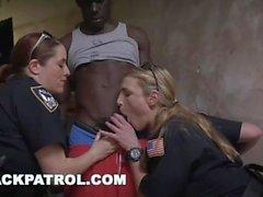 PATROL NERO - Illegal Street Racing Black Thugs viene beccato dai poliziotti della MILF