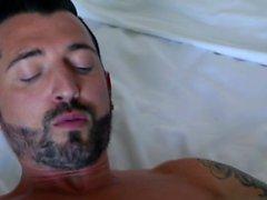 Büyük yarak eşcinsel anal seks ve cumshot