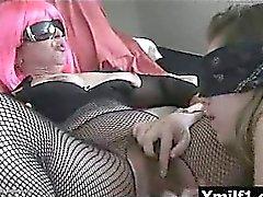 Excitée Juicy le vagin hilare mûr livrent à une implacable baisée