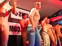 Thai sexy Schauspieler Homosexuell Porno Snapchat CUMSHOT ATTACK!