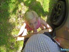 Julkinen Agentti Freaky blondi nimeltään Nesty vaatii ulkopuolinen seksi
