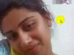 bangladeshilainen girl kullanmuru joka osoittaa rinnat ja pillua Dating