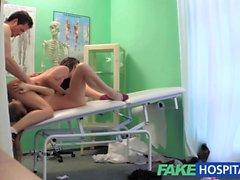 FakeHospital infirmière chaud relie quelques en trio