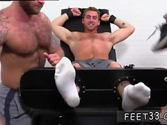 Hombre desnudo pie gay Connor Maguire Jerked & Tickle d