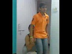 Splitvilla-guys-Prince-narula-n-Raghav-sharma-funny-moment-gayyyyuy