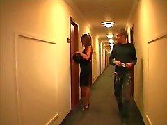 Frans echtpaar in een hotel
