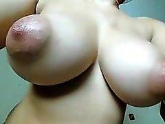 Huge bilgileri Nipeller Göğüsler