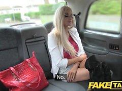 Поддельный таксист, блондинка с маленькой задницей, анальный