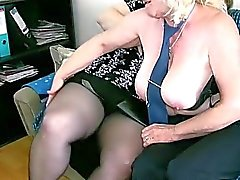 OldNanny Mature mit großen Titten Wichs