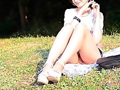 Jeny Смит Bottomless в парк