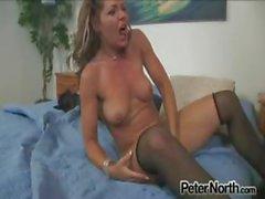 Geile huisvrouw wanhopig wil seksueel worden voldaan !