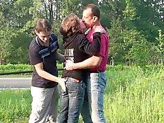 Osare del gruppo del pubblico di sesso gangbang trio orgia PARTE 1