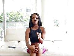 TeenyBlack - Ebony Cutie Quer Ser Um Pornstar