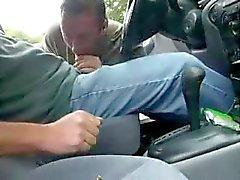 Empurrando no carro