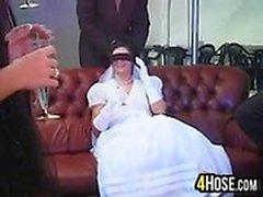 Neuen Bride von mehreren Schwänzen gestopft werden