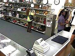 Женни кричал громко, как ее получает выебанная по пешку магазин