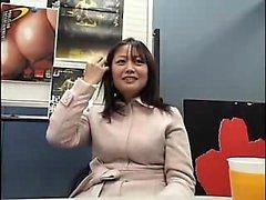 Japon öğrenci pov oral seks verir
