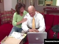 Naughty Wife Deauxma får gratis råd för sex från skattman!