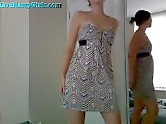 Cute Teinien hieroo Pussy In dress Cam
