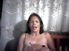 filippine mom lucia apan da Cebu mostrare i suoi capezzoli
