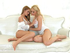 Natural beauties Melanie Gold and Dominica Fox from Sapphic