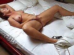 Karı kendini pleasuring