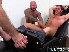 La pornografía gay del examen masculino del pene se masturba Connor Maguire Jerked &