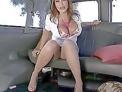 Babe is giving guy a weenie sucking experience