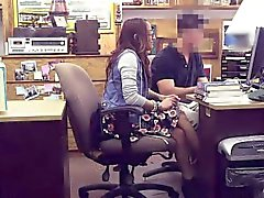 Bisogno denaro Student si fà scopare nell'ufficio banco di pegni