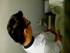 Hotboy в туалет вместе - Вьетнам одиннадцать
