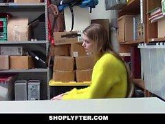 ShopLyfter - Lifter Busty Blonde Shop baisée par l'agent