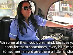 Фотографий грудастая медсестра позаботится о драйверах член на заднем сиденье