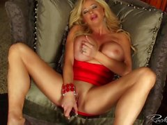 Rachel Aziani gets a quick orgasm before a night on the town