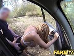 Fake Taxi Incredibile Welsh MILF con corpo caldo