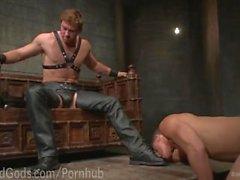 Casa di di Dom collauda inoltre nuovi Boy schiavi