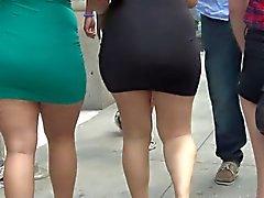 Sexy Ass Super Big no vestido apertado