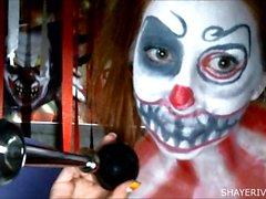 Shaye Seen Halloween Clown Selbstbefriedigung