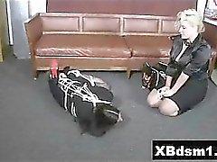 Kinky Gal vilaine Bondage Explicit