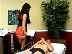 Maestra Ice La Volpe si siede su la faccia di lo schiavo e la aver leccato suo asino