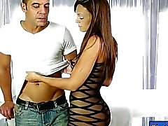 Masseuse caliente de a Olivia Wilder jodida y inyectar Tag por el cliente