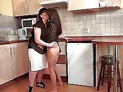 Großmütter und Jung der Mädchen Muschi lecken Compilation