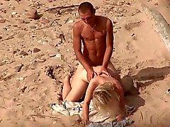 Tirkistelijä siitä yleinen uimaranta . Kuumaa nuoripari sex3